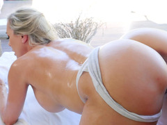 Brandi Love wants the masseuse to fuck her athletic body