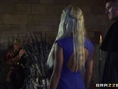 Daenerys Targaryen gets nailed by Jon Snow on the Iron Throne
