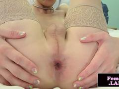 Solo femboy jerking off and showing her ass