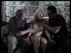 Dolly Golden paie sa DOUBLE PENETRATION