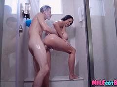 MILFS take turns on Big dick