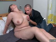 Chubby babe is pussy pounded after blowjob