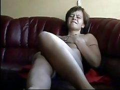 Old Wife Films Herself Vibeing To Orgasm !