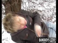 Drunk dude gets video taped while sucking a dick outdoors