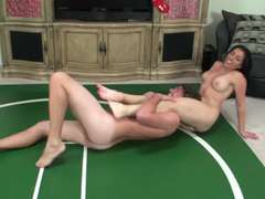 wrestling: idiot get pounded up in the nut sack