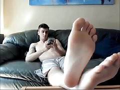 Str8 Guy Shows His Feet and Jerks Off