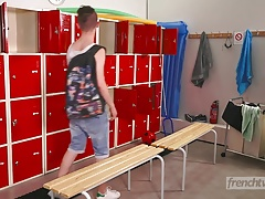 An 18 year old twink fucks his buddy in the changing room
