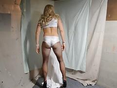 Shakin' my booty!!!