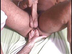 Married body builder has finger fucking