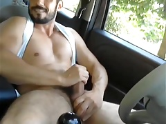 Hot guy wank in car 1