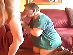 A sexy mature men sucking a young boy