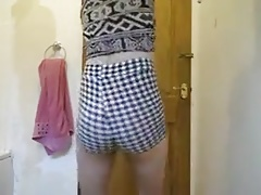 Femboy wiggling his sexy ass