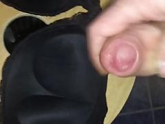 Cum on a girlfriend's bra in her bath