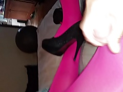 Crossdresser in pink tights cums all over