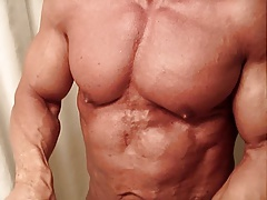 Muscle daddy bodybuilder oiling