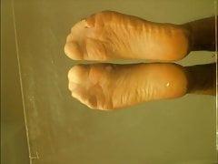 Sheer nylon feet soles show