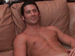 Str8 dude talked through first gay sex