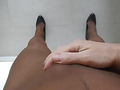 Pantyhose wank