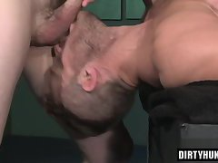 Muscle gay flip flop with facial cum