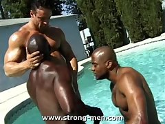 Hot Interracial Bodybuilders In The Pool