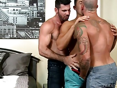 MenOver30 Sean Duran Has 2 Hunks at Once
