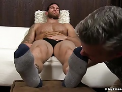 Muscle dude Chase Lachance gets feet licked and worshiped