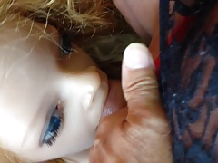 Doll Lya suce le trave en guepiere
