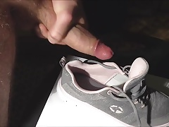 getting off on sabi's sneakers