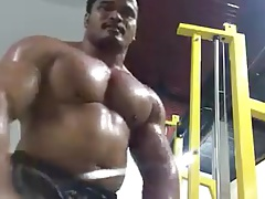 Huge Thai bodybuilder flexing