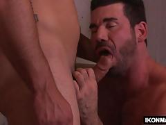 Hot stud gets seduced by his stepbro