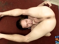 Lusty cock sucker Max Ward tugs his stiff one eyed snake