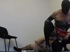 Travesti domina et gros soumis