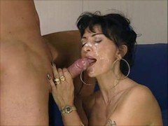 Italian sexually available mom gets a deluxe facial