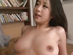 Satomi Suzuki amazes with her assets and top skills