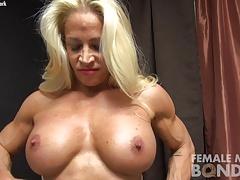 Tussi, Grosse titten, Blondine, Frau, Hd, Muskel, Titten