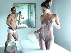 Cuarto de baño, Tetas grandes, Morena, Sexo duro, Flaco, Alto, Apretado, Tetas