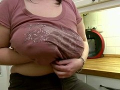 chunky mom shows her body in kitchen