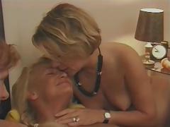 Penetracion con puños, Francés, Lesbiana, Juguetes