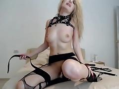 cam-slut tortures herself