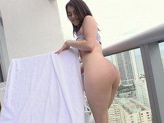 POV with a perfect booty