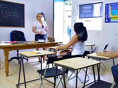 Tetas grandes, Madura, Doble penetracion, Madres para coger, Estudiante, Maestra, Adolescente