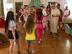 Amerikanisch, Grosse titten, Braunhaarige, Gesichtssitzen, Hardcore, Orgie, Party, Realität