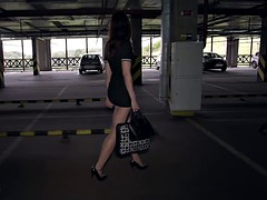 Gros cul, Brunette brune, Fétiche, Masturbation, De plein air, Public