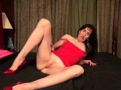 USAwives Older Penny Jones Masturbation