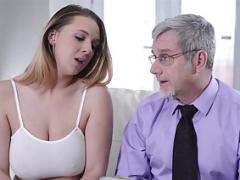 Corridas, Tetas naturales, Estrella porno, Adolescente