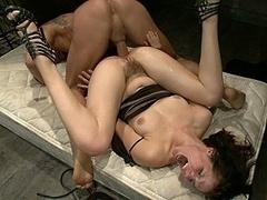 Анальный секс, Садо мазо, Брюнетки, Дилдо, Доминирование, Унижение, Жесткий секс, Рабыни