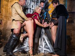 Queen Of Thrones: Part 4 (A XXX Parody).