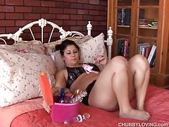 Pretty plump brunette loves to fuck her fat juicy pussy 4 U