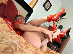 Mature in nylons and a big dildo