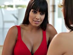 Jenna Sativa Having Lesbian Sex With New Stepmom